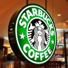 Photo taken at Starbucks by Arthur S. on 10/8/2012