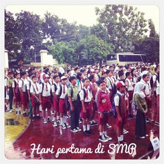 Photo taken at SMP Negeri 49 Jakarta by Intan S. on 7/13/2013