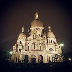 Photo taken at Basilique du Sacré-Cœur de Montmartre by Dmitry NP on 5/30/2013