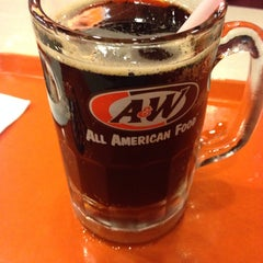 Photo taken at A&W by Khomeini on 12/30/2013