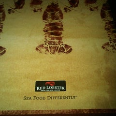 Photo taken at Red Lobster by Alexis A. on 9/27/2012