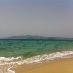Photo taken at Παραλία Πλάκας (Plaka Beach) by Thodoris D. on 5/18/2013