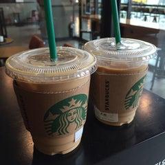 Photo taken at Starbucks by Minsub K. on 4/5/2015