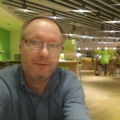 Photo taken at StarHub Shop (Mobile) by Ron P. on 5/19/2014