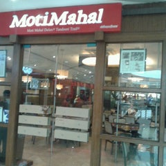 Photo taken at Moti Mahal by Tejas Sheth on 6/11/2013