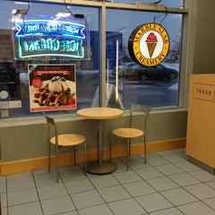 Photo taken at Marble Slab Creamery by Marielena L. on 2/22/2013