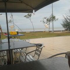 Photo taken at Pantai Morib by Aiman R. on 6/9/2013