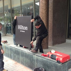 Photo taken at Hilton Rotterdam Hotel by Jan R. on 5/22/2013