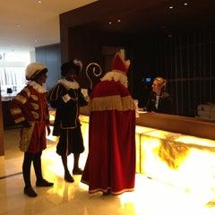 Photo taken at Hilton Rotterdam Hotel by Jan R. on 12/5/2012