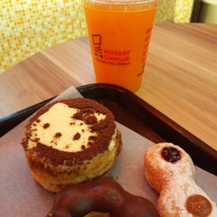 Photo taken at Mister Donut (มิสเตอร์ โดนัท) by : P on 8/2/2014