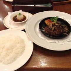 Photo taken at ロイヤルホスト 稲毛海岸店 by Hitomi O. on 6/28/2013