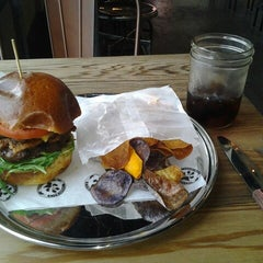 Photo taken at Charcoal's Gourmet Burger Bar by Viscount I. on 3/22/2013