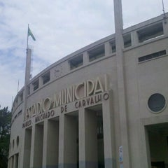 Photo taken at Estádio Municipal Paulo Machado de Carvalho (Pacaembu) by Juliano R. on 10/6/2012