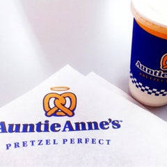 Photo taken at Auntie Anne's by jiaqifong♠ on 3/28/2014