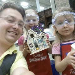 Photo taken at Lowe's Home Improvement by Joshua B. on 10/11/2014