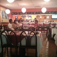 Photo taken at Hello Sushi by Michael E. on 7/9/2014