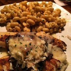 Photo taken at Outback Steakhouse by Jarrett W. on 10/2/2015