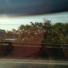 Photo taken at แม่น้ำท่าจีน by jaaoneisan on 1/11/2014