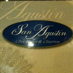 Photo taken at San Agustín. Chocolate y Churros by Israel O. on 12/23/2012