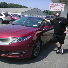 Photo taken at Dana Ford Lincoln by Joseph N. on 5/31/2013