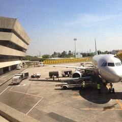 Photo taken at Ninoy Aquino International Airport (MNL) Terminal 1 by sol a. on 3/28/2013