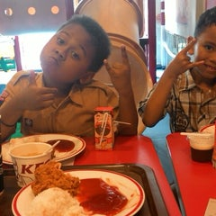 Photo taken at KFC by Felisino N. on 5/28/2014