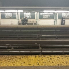 Photo taken at MTA Subway - 33rd St/Rawson St (7) by Nolan B. on 1/5/2015