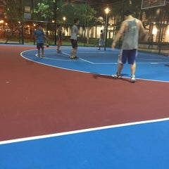 Photo taken at Buangkok Basketball Court by Foong Teng on 4/2/2015