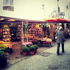 Photo taken at Bloemenmarkt by Daryl A. on 10/24/2012