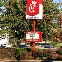 Photo taken at Chick-fil-A by Erik E. on 10/24/2012