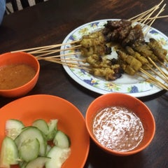 Photo taken at Satay Warisan by Erzana R. on 2/12/2016
