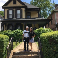 Photo taken at Martin Luther King Jr. Birth Home by Yoshiko S. on 5/23/2016