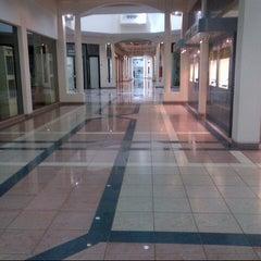 Photo taken at Al Aali Mall | مجمع العالي by Ahmed E. on 9/28/2012