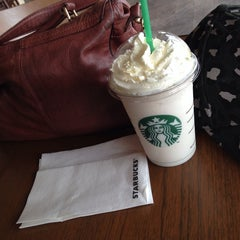 Photo taken at Starbucks by Hsin on 5/16/2014