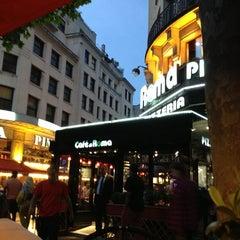 Photo taken at Café di Roma by Rayyan on 6/8/2013