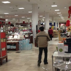 Photo taken at Macy's by Laurentius T. on 11/11/2012