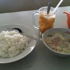 Photo taken at Soto A3 (Adi Ada Ajah) by andri r. on 11/5/2011