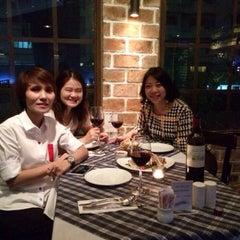 Photo taken at Bangkok Bitter, The Bar & The Restaurant by PoNg V. on 7/9/2014