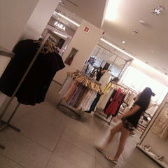 Photo taken at Zara by Rafael Nunes R. on 11/30/2012