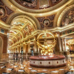 Photo taken at Venetian Resort & Casino by Demont D. on 4/10/2013