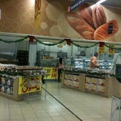 Photo taken at Hiper Bompreço by Dennise Lavôr ^^ DP on 11/14/2012