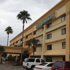 Photo taken at La Quinta Inn & Suites Houston Northwest by Daniel M. on 12/4/2012