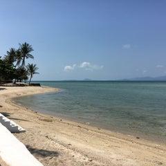 Photo taken at Milky Bay Resort Koh Phangan by Alejandra M. on 4/21/2016
