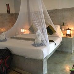 Photo taken at Milky Bay Resort Koh Phangan by Alejandra M. on 4/20/2016