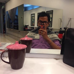 Photo taken at Peek-a-boo Hair Salon by Hafiz Putra on 10/9/2013