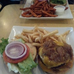 Photo taken at Joe's Burgers by Serottared on 10/21/2012