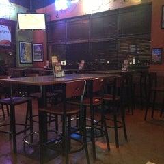 Photo taken at Boston's Restaurant & Sports Bar by Nadjelly M. on 10/13/2012