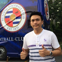 Photo taken at สนามศุภชลาศัย (Supachalasai Stadium) by เอเอ๊ เ. on 7/8/2015