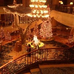 Photo taken at Makati Shangri-La by Bryan G. on 12/11/2012