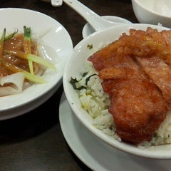 Photo taken at Delicious Kitchen 美味廚 by Betty L. on 3/22/2013